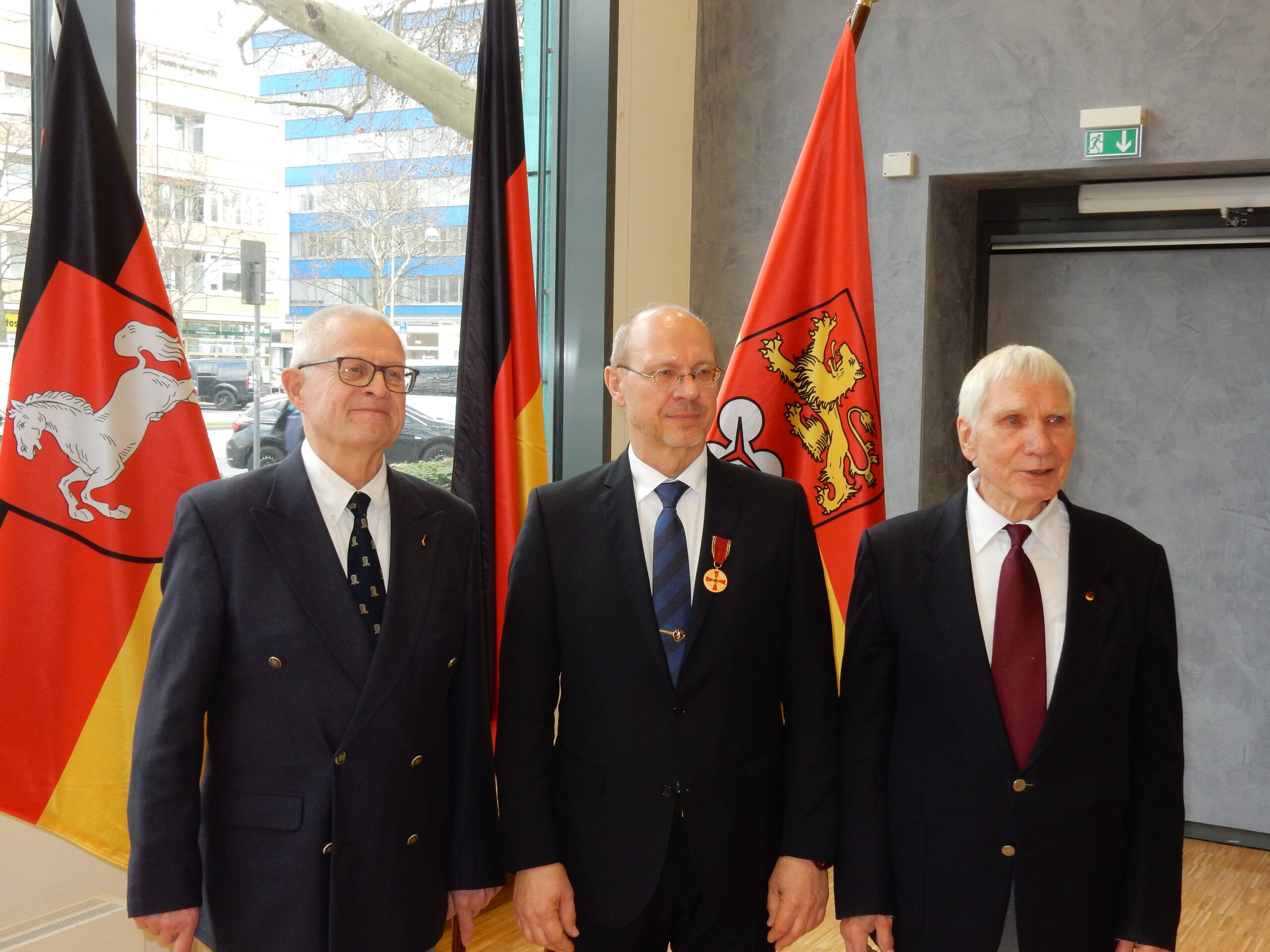 DKenB-Präsident Viebranz mit Bundesverdienstkreuz ausgezeichnet